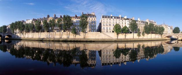 Façades du quai de Bourbon à Paris par une Seine d'huile - très rare !